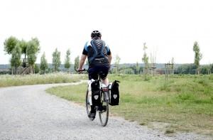 cyclists-168376_1280